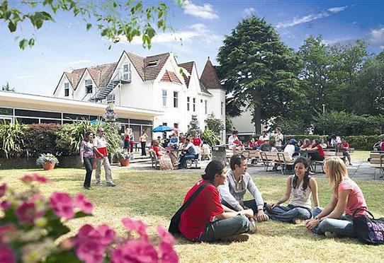 Bournemouth language school scuola euroeduca soggiorni for Soggiorni studio in inghilterra